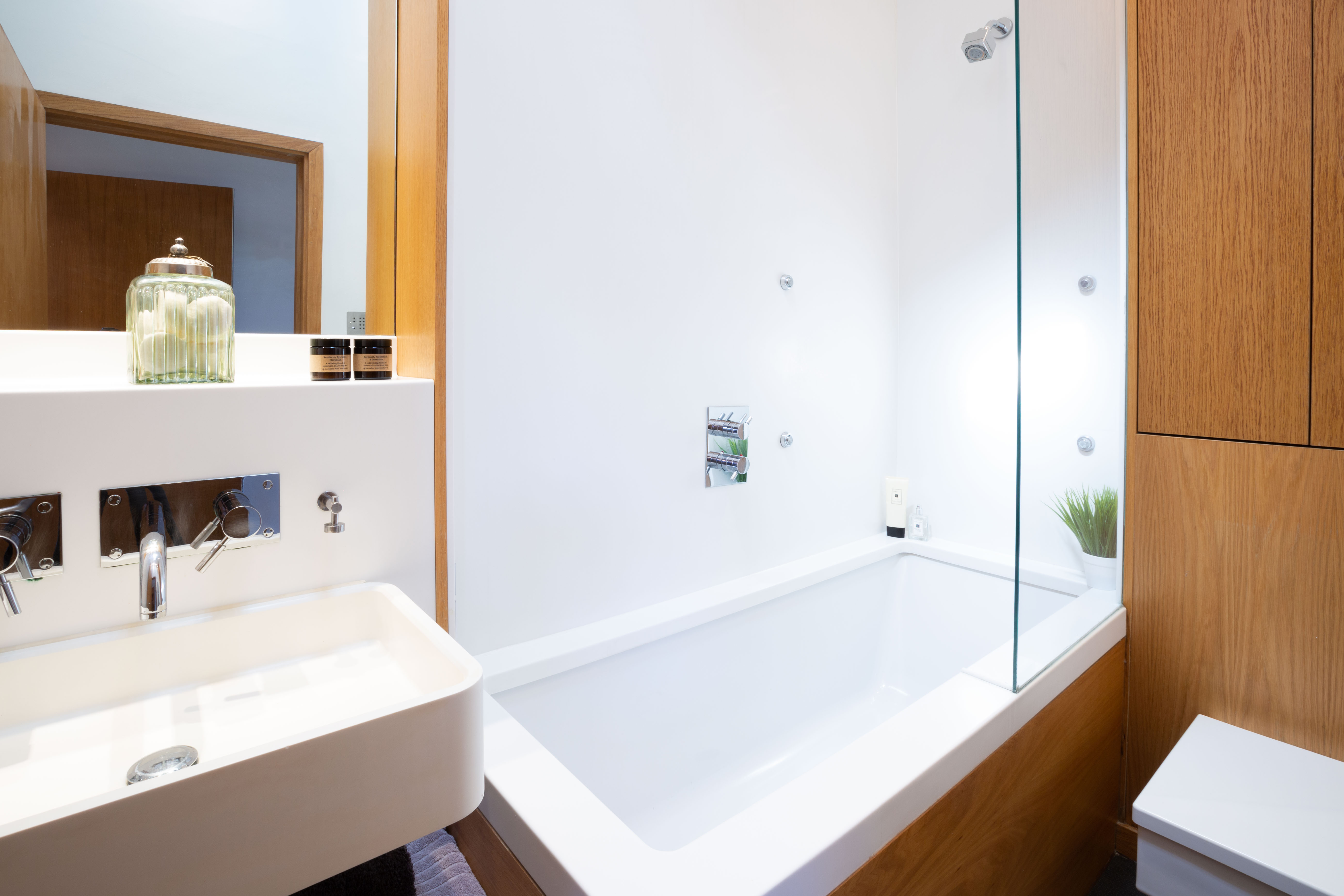 bathroom ensuite serviced apartments Home from Holme St Albans